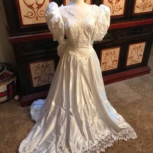80's white lace wedding dress with long train